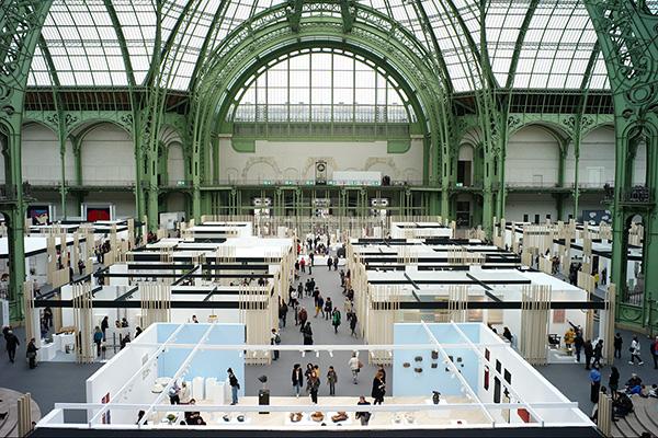 レベラション全景 1900年のパリ万博のために建造されたグラン・パレを会場に開催されたレベラション 写真:下川一哉