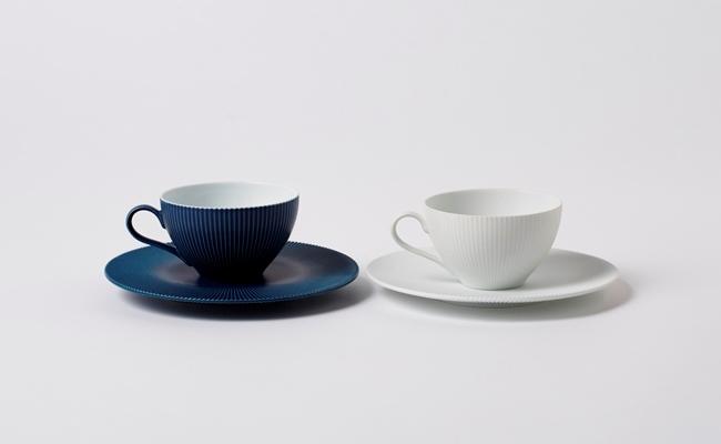 1504_有田焼/李荘窯/内白青マットと白磁ブラスト鎬ティーカップ&ソーサー