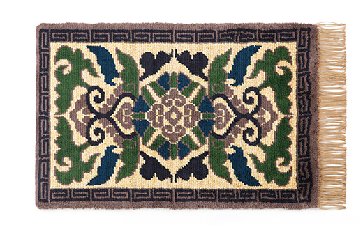 Nabeshima-Dantsu、Nabeshima style carpet