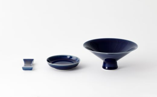 璃茶碗と瑠璃箸置きと瑠璃豆皿